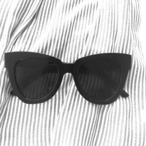 Brand new Shein sunglasses 🕶
